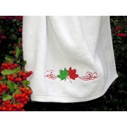 Ręcznik biały hafowany jesienne liście