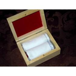 Chusteczki męskie 2 szt białe w drewnianym pudełku
