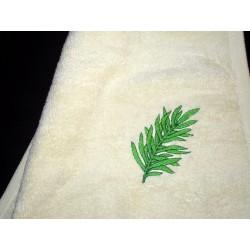 Ręcznik z haftem zielony liść  70x130
