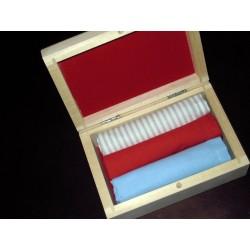 Chusteczki męskie 3 szt w drewnianym pudełku
